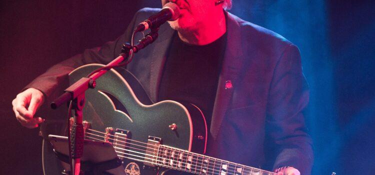 Win Wayne Hussey's Schecter Guitar